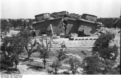 Berlin, gesprengter Bunker im Friedrichshain