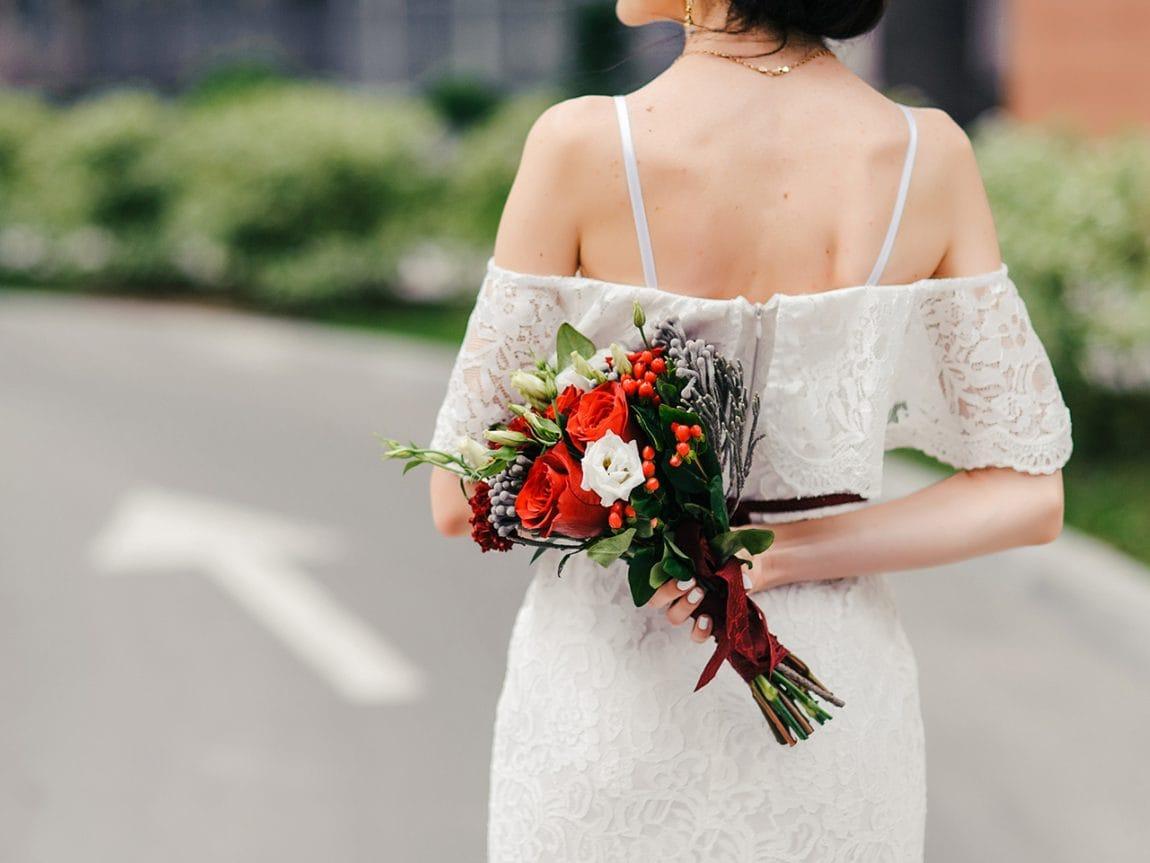 So findest du das perfekte Second Hand Brautkleid fürs Standesamt