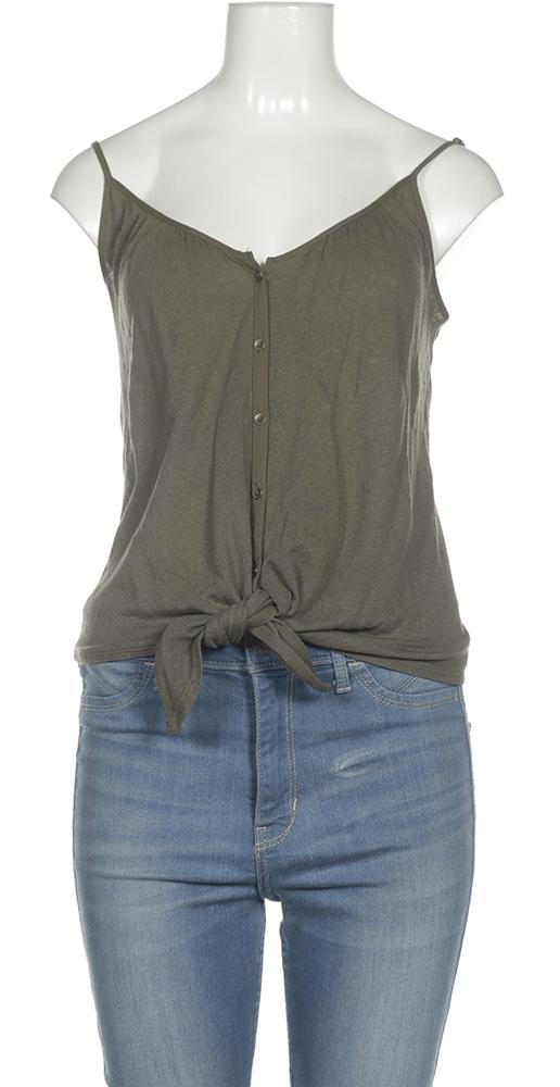 Schlichte Kleidungsstücke sind perfekt geeignet für deine Capsule Wardrobe